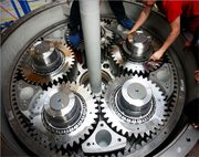 How to Increase the Life of Industrial Gearboxes?